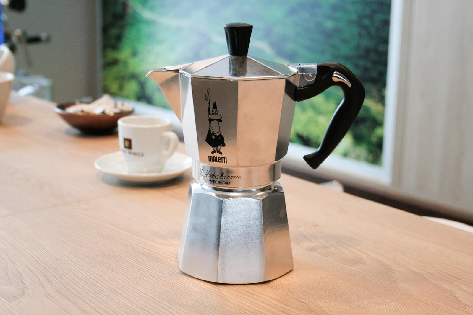 cafetiere italienne espresso 6 tasses. Black Bedroom Furniture Sets. Home Design Ideas