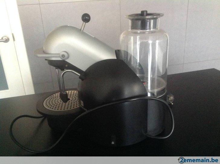 cafetiere nespresso krups type fna1. Black Bedroom Furniture Sets. Home Design Ideas